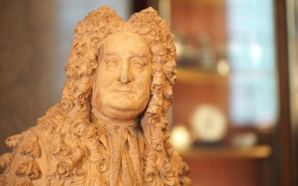 المتحف البريطاني يزيل تمثال مؤسسه بسبب