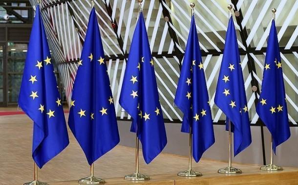الناتج الإجمالي لمنطقة اليورو ينكمش 14.7 بالمئة في الربع الثاني