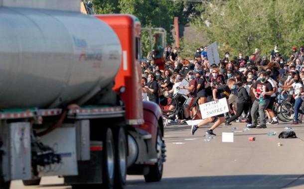 عمليات دهس تستهدف المتظاهرين في الولايات المتحدة