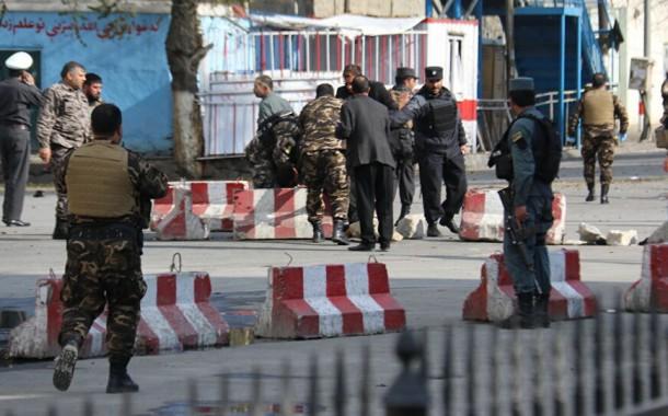 قوات الأمن الأفغانية تفرض حصارا على سجن اقتحمه مقاتلو