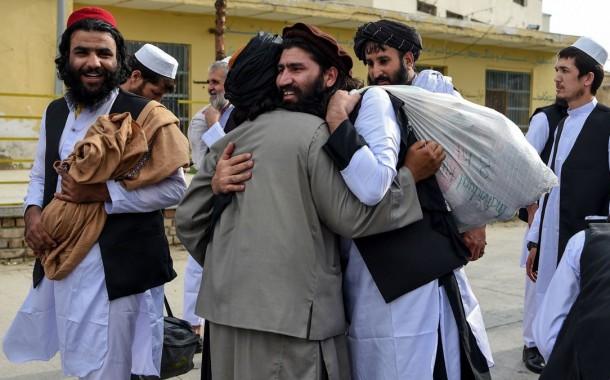 المجلس الكبير الأفغاني يوافق على إطلاق سراح 400 سجين طالباني