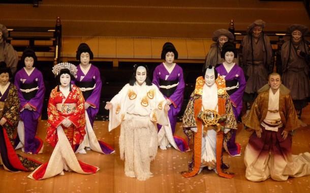 مسرح الكابوكى التقليدى اليابانى يستأنف عروضه بعد توقف 5 أشهر بسبب كورونا