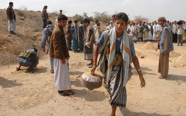 مقتل مدني و نجليه في انفجار لغم أرضي في اليمن