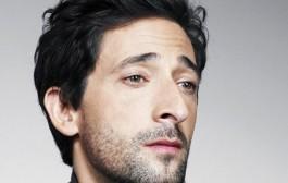 ممثل أمريكي شهير يعلن تلقيه لقاح