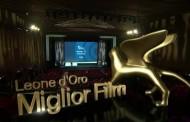 """فيلم """"نومادلاند"""" يفوز بجائزة الأسد الذهبي بمهرجان البندقية السينمائي"""