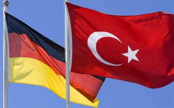 وزيرا خارجية ألمانيا وتركيا يناقشان النهوض بالعلاقات الأوروبية-التركية