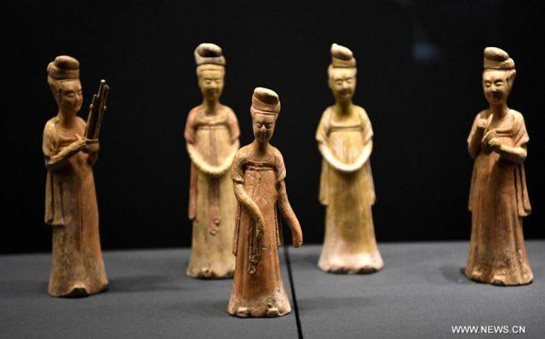 العثور على عنصرين من الأدوات الخشبية يعودان إلى 8200 عام بالصين